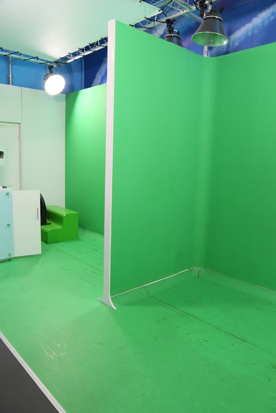 A green screen used for super imposition photography at the Flight Gallery photo studio, Science Museum