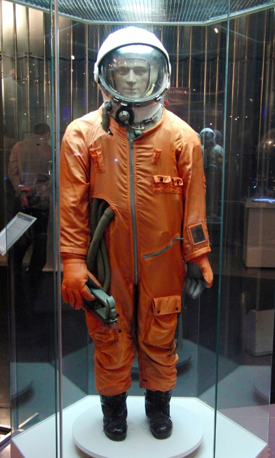 Colour photograph of the soviet SK1 ground training space suit on display at the memorial museum of space exploration